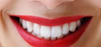 Tẩy trắng răng có làm hại men răng và làm yếu răng không ?
