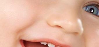Trẻ mọc răng: Những điều cần chú ý