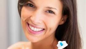 Kem đánh răng không thể làm trắng răng