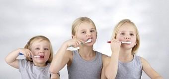 Chải răng đúng cách phòng sâu răng